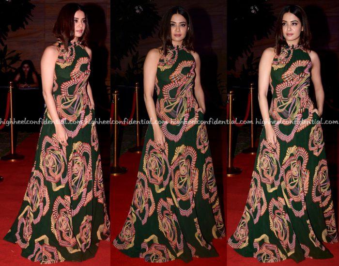 surveen-chawla-in-urvashi-joneja-at-femina-hair-heroes-awards