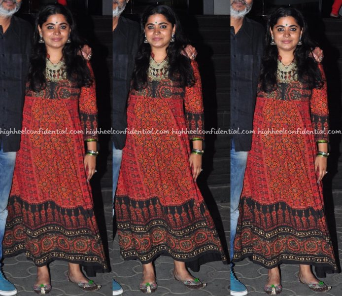 ashwiny-iyer-tiwari-wears-label-ritu-kumar-to-dangal-screening